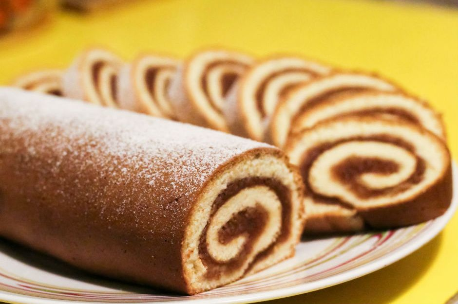 Keki Yağsız, Elmalı Rulo Pasta Tarifi