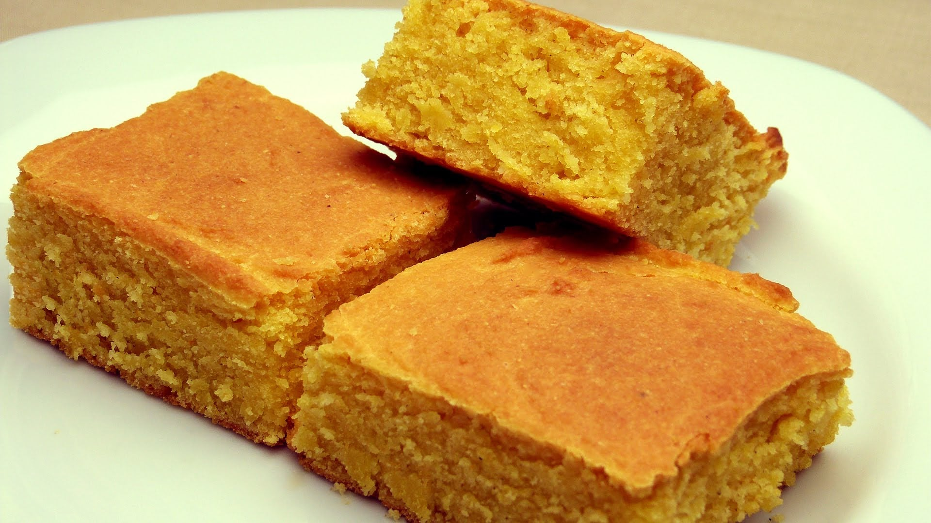 Kokusu Burnumuzda Tüten, Mısır Ekmeği Tarifi