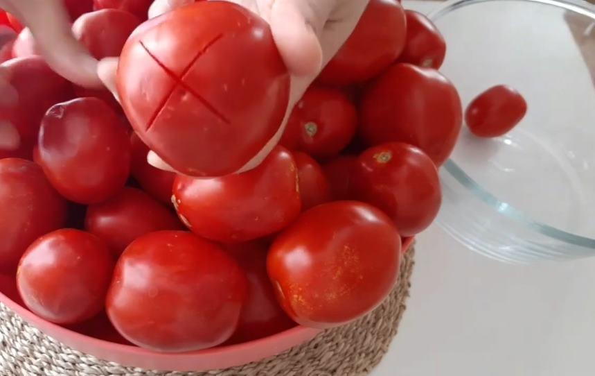 domatesleri arti olarak kesme
