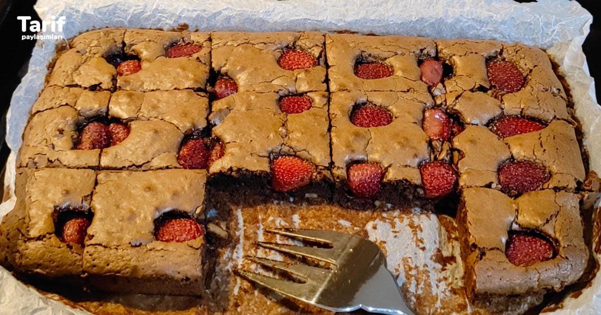 Çilekli Brownie Tarifi Bu Tatlı Çayın Yanında Çok İyi Gidiyor